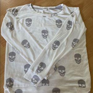 skull sweater!